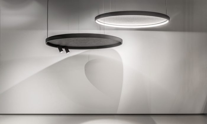 Delta Light představil pětimetrové svítidlo Superloop iverzi sakustickým panelem