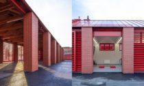 Hasičská zbrojnice a zázemí technických služeb v Líbeznicích od Ehl & Koumar architekti