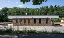 Mateřská školka a přístavba jídelny k základní škole v Nekoři od Molo Architekti