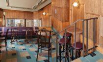 Bistro bar Bonnie v Amsterdamu od studia Modijefsky