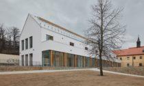 Přístavba Katolického gymnázia vTřebíči odAteliéru Tišnovka Brno