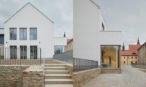 Přístavba Katolického gymnázia v Třebíči od Ateliéru Tišnovka Brno