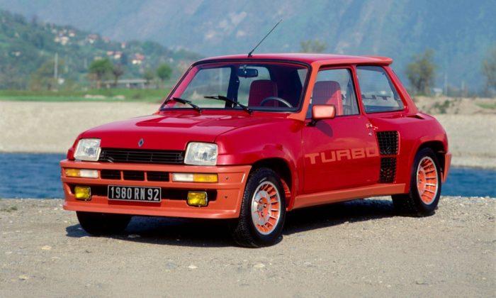 Původně pro rallye navržený malý Renault 5 Turbo slaví 40 let