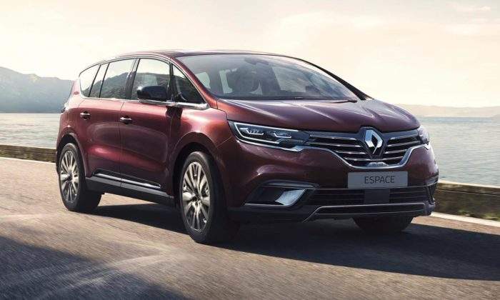 Renault modernizoval sedmimístný model Espace adal mu elegantnější design