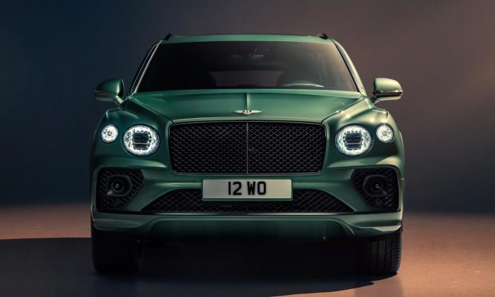 Bentley Bentayga prošlo modernizací amůže sepochlubit novou maskou isvětlomety