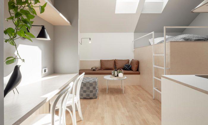 Miniaturní byt vPraze má jen 23 metrů čtverečních azpostele výhled naPrahu