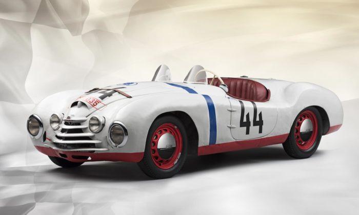 Škoda slaví 70 let odstartu svého speciálu Škoda Sport vzávodě 24 hodin Le Mans