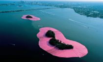 Christo a Jeanne-Claude: Surrounded Islands