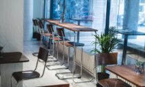 Restaurace s kavárnou, barem a klubem Swim v Praze
