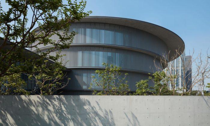 Tadao Ando postavil minimalistické muzeum He Art Museum ze čtyř prstenců