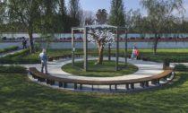 Vzpomínkový interaktivní strom Eiwa s lístky z křišťálového skla