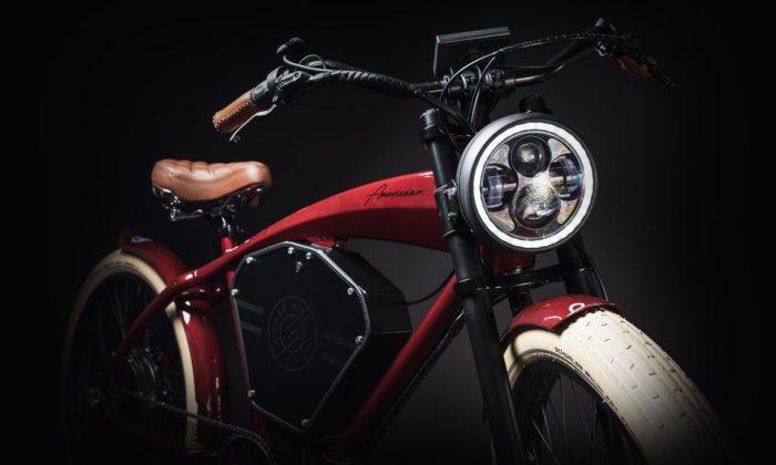 Česká značka Electric Cafe Bike ručně přestavuje elektrokola vduchu starých motocyklů