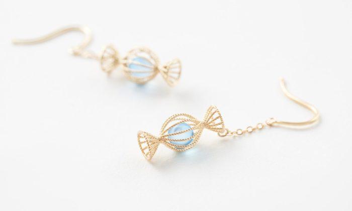 Nendo navrhlo sladkou kolekci filigránových šperků stvary lízátek abonbónů