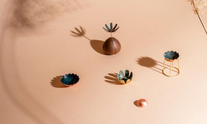 Jana Voňková navrhuje pod značkou VNKV drobné objekty ašperky dointeriéru