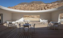 Desert X AlUla Visitor Centre od ateliéru KWY.studio