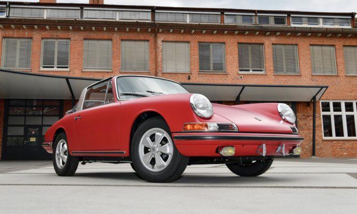 Porsche zrestaurovalo 40 let zapomenutý sporťák 911 STarga zroku 1967