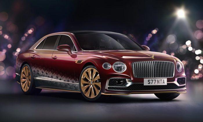 Bentley vytvořilo pro Santu speciálně upravený Flying Spur sesoškou soba napřídi