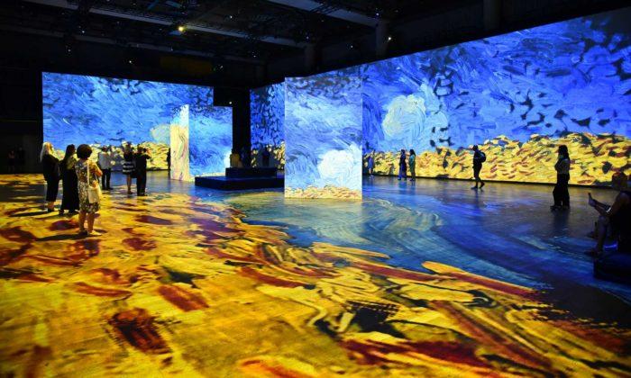 Do Prahy dorazila výstava Bylo nebylo sprojekcemi obrazů Van Gogha čiMoneta