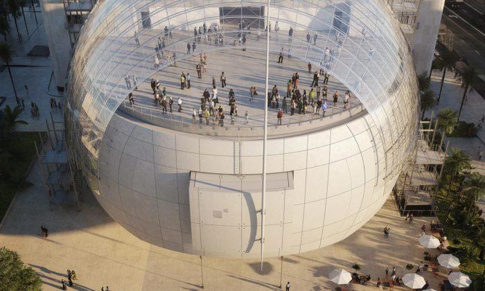 Renzo Piano staví filmové muzeum skinosálem vkouli aterasou svýhledem naHollywood