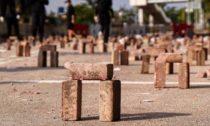 Brick Arches od prostestujících z Hongkong
