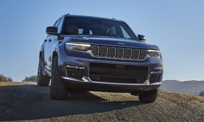 Jeep Grand Cherokee přichází po10 letech vnové generaci asnečekaným interiérem