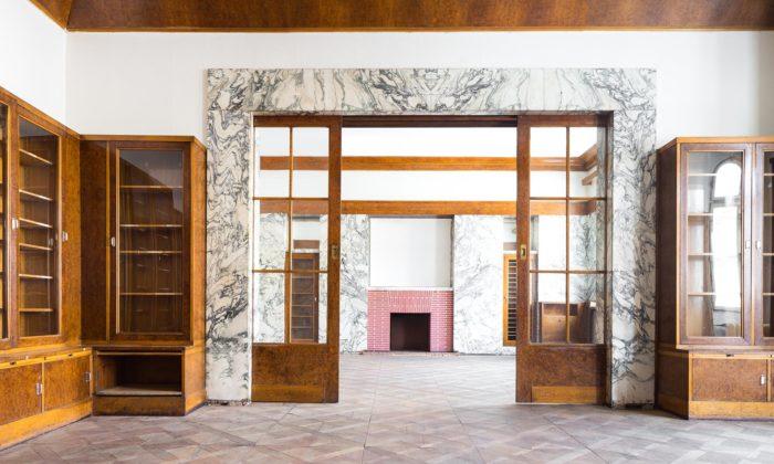 Plzeňské interiéry Adolfa Loose seukazují navýstavě vNew Yorku