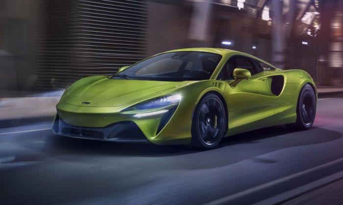 McLaren překvapil propracovaným designem hybridního sporťáku Artura