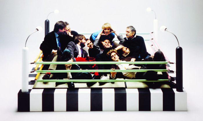 Výstava připomíná 40 let extravagantního designu ikýče odskupiny Memphis