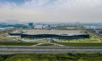 Továrna automobilky Polestar v Chengdu od Snøhetta