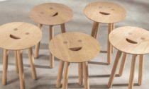 Stolička Smile Stool od Jaime Hayóna a značky Benchmark