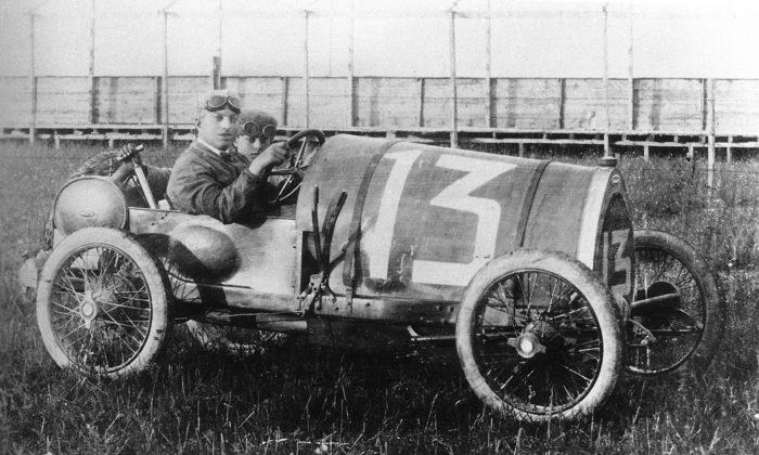 Bugatti oslavuje 100 let odzrození legendárního sportovního vozu Type 13 Brescia