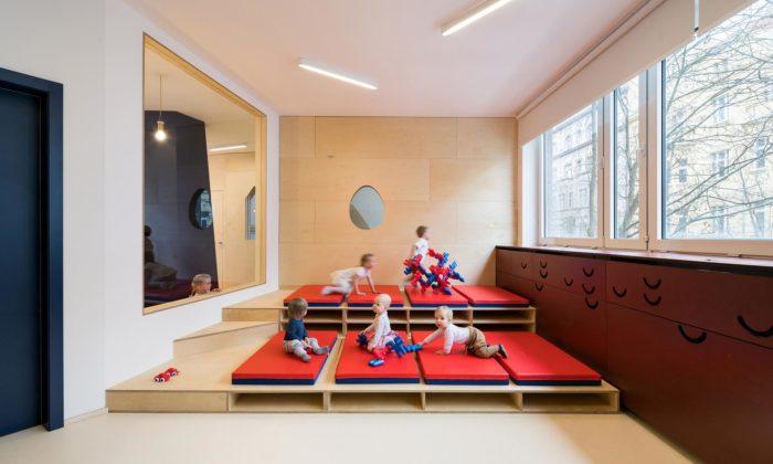 Umělecká mateřská škola Malvína si nechala proměnit interiér jeslí knepoznání