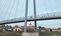 Lávka přes Vltavu v Lužci nad Vltavou