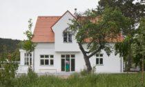 Vila s fontánou od Mjölk na Praze 5