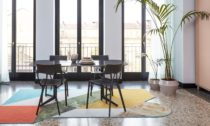 Philippe Starck a židle A.I. Chair od Kartell