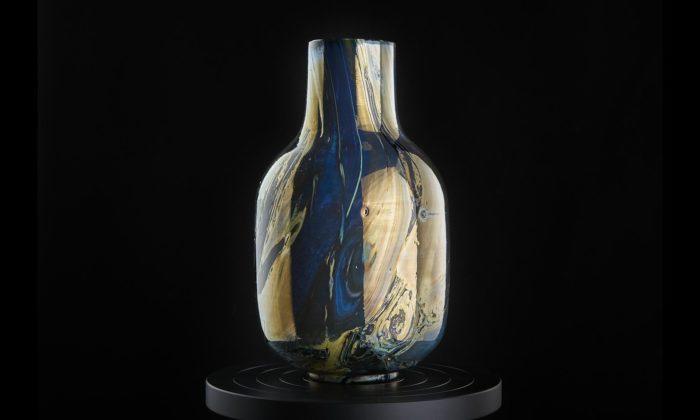 Lukáš Novák vyrobil sběratelskou kolekci neopakovatelných váz Amalín