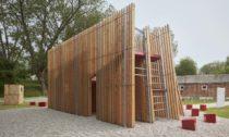 Instalace Off Fence na Bienále architektury v Benátkách 2021