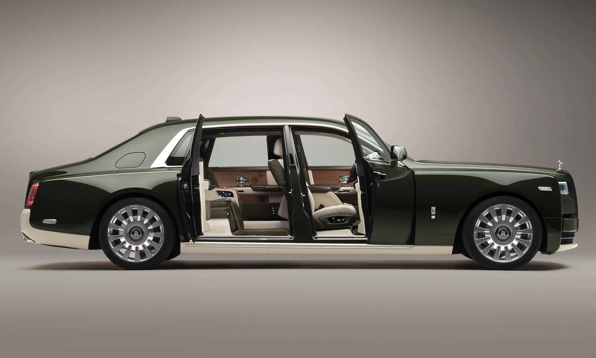 Rolls-Royce vyrobil namíru jedinečný Phantom Oribe sinteriérem odHermès
