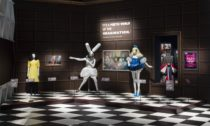 Ukázka z výstavy Alice: Curiouser and Curiouser