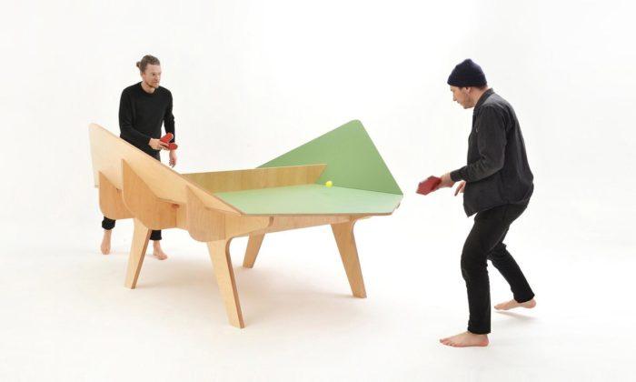 Francouzi vyrábí dřevěné geometricky tvarované stoly pro hru Ping Pang