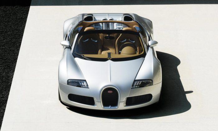 Bugatti renovovalo první vyrobený Veyron Grand Sport oddesignéra Jozefa Kabaně