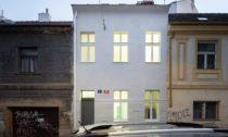 Rekonstrukce domu vpražských Vršovicích odBY Architects