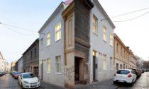 Rekonstrukce domu v pražských Vršovicích od BY Architects