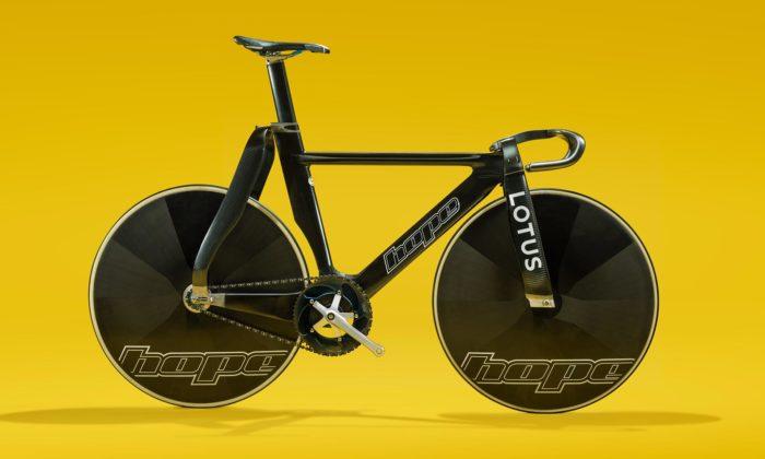 Lotus aHope vyvinuli závodní jízdní kolo sprůkopnickým designem