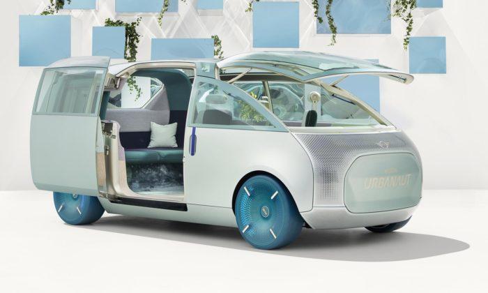 Mini zhmotnilo futuristickou vizi městského vozu Urbanaut avytvořilo hmatatelný koncept