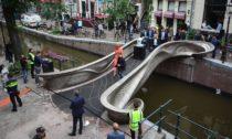 Most v Amsterdamu od MX3D vyrobený z oceli technikou 3D tisk