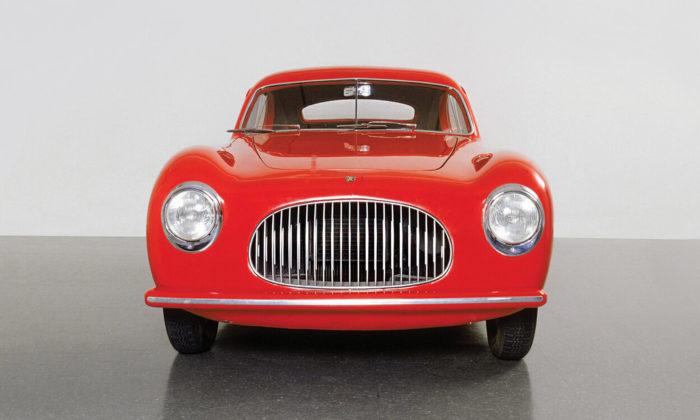 MoMA otevřela velkou výstavu Automania plnou legendárních vozů aumění