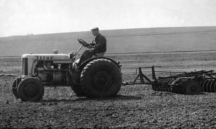 Český výrobce legendárních traktorů Zetor slaví výročí 75 let