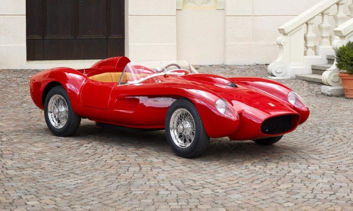 Ferrari vyrobilo očtvrtinu menší repliku slavného sporťáku Testa Rossa