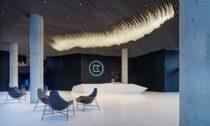 Instalace The Iceberg od Maxima Velčovského a značky Lasvit pro Bořislavka Centrum